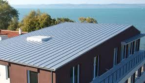 Előkorcolt síklemez tetők